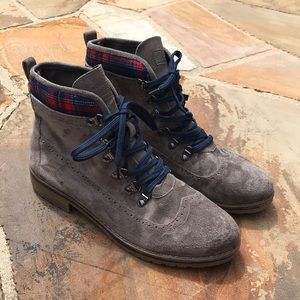 Tommy Hilfiger Women's Ollia Wingtip Lace-Up Boots